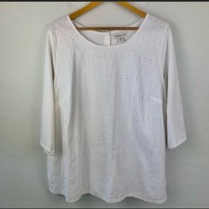 Coldwater Creek white eyelet button back t…